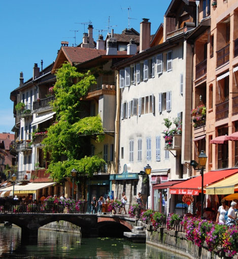 Informations annecy hotels et v nements taxi annecy for Hotel annecy piscine